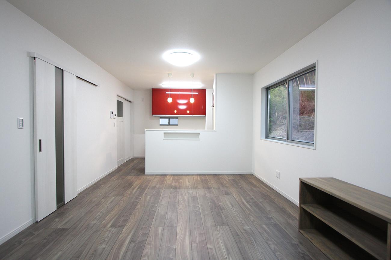 動線とキッチンの映えるカラーにこだわったお家